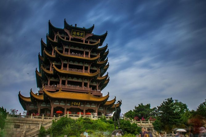 Private Amazing Wuhan Half-day Tour in your way