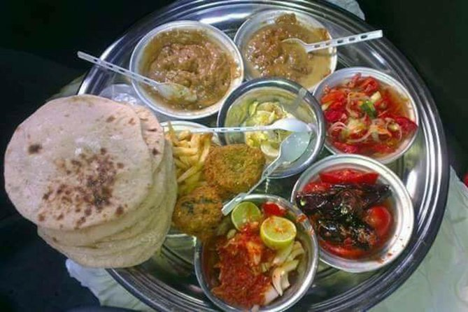 Authentic Breakfast with locals and tour to Giza pyramids and sphinx