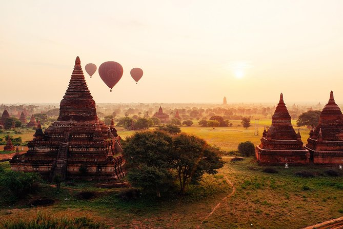 Bagan Sightseeing Tour with Horse Cart