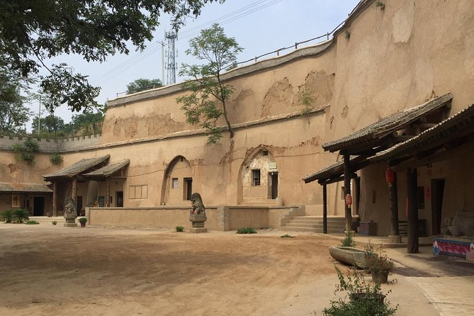 Visit Terra-cotta Amry and Explore Disappearing Cave dwelling Village