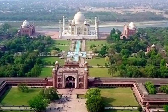 Private Full-Day Exotic Tour to Taj Mahal from New Delhi