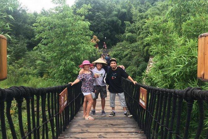 Qingcheng山とDujiangyan灌漑プライベートデイツアー
