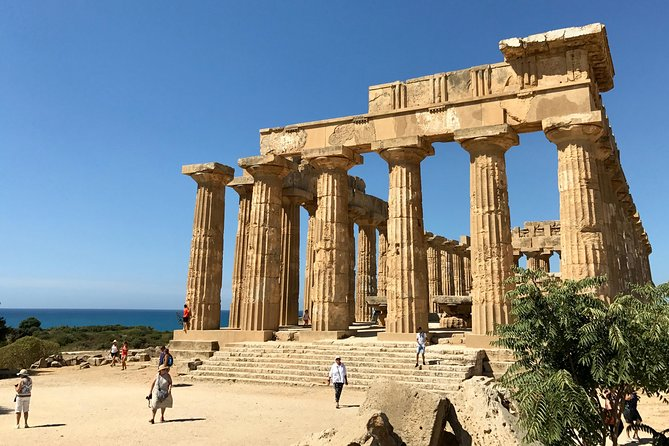 Private WINE and ARCHEOLOGY Tour with Local Guide -starts from Agrigento/Sciacca