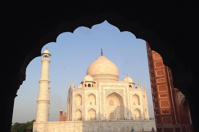 All Inclusive Private Tour of Tajmahal, Agra Fort and Baby Taj From New Delhi