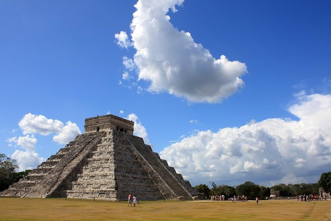 Chichen Itza, Valladolid, Suytun & Samula private tour with local expert