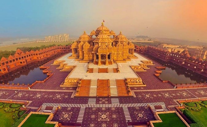 Old Delhi Sightseeing Tour with Akshardham Temple 2021 - New Delhi