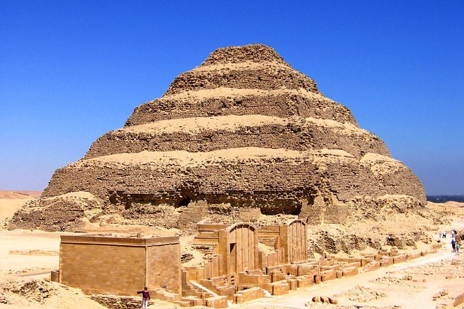 Private Full Day Tour to Giza Pyramids, Memphis and Sakkara with Lunch