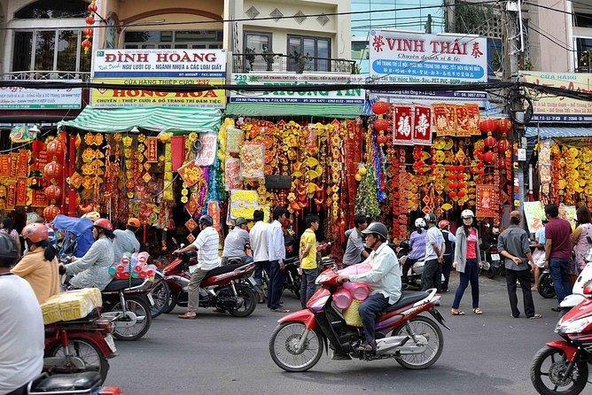 Saigon twilight tour by motorbike - See Saigon with Tiger eyes