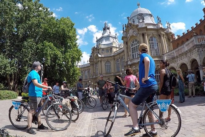 Budapest Bike Tour with a Goulash Meal