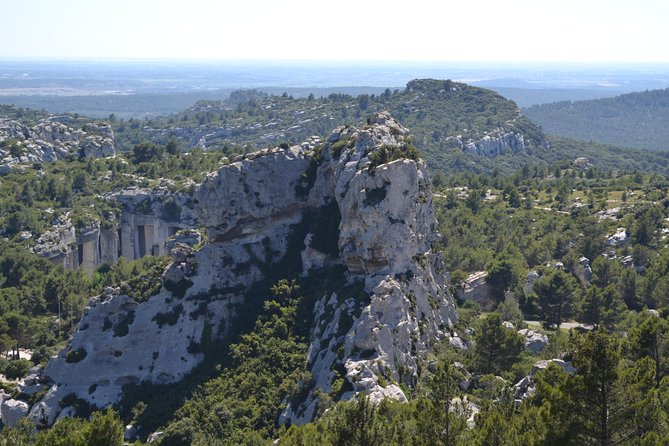 Arles, Les Baux de Provence and Chateauneuf du Pape Small Group Day Trip photo 12