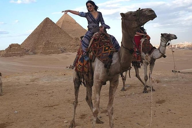 2 hours Camel or horse ride outside Giza pyramids Cairo Giza hotels photo 4