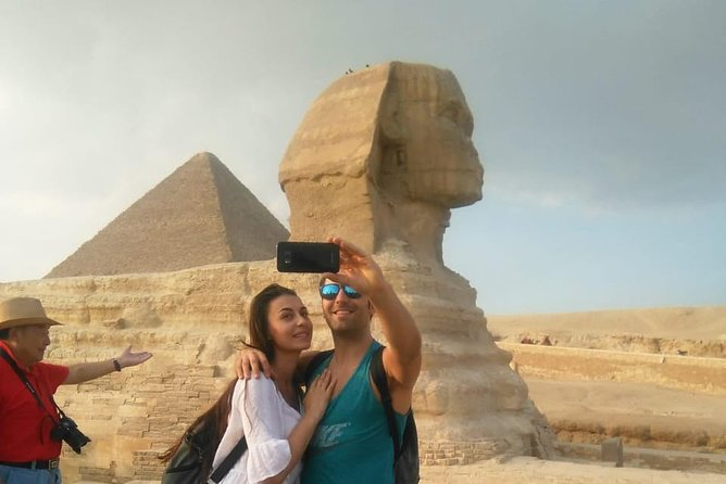 Full-Day Giza Pyramids Sakkara Memphis with Lunch from Cairo