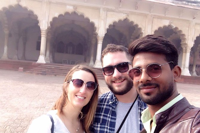 Private Taj Mahal Tour with Mathura-Vrindavan from Delhi
