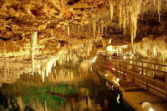 Excursão nas Cavernas de Cristal, de compras e na praia