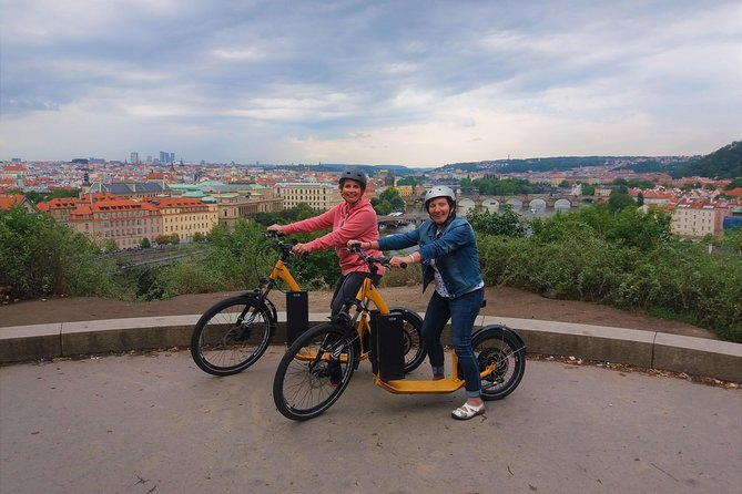 Prague: Private Combo 2h Tour by Segway and eScooter