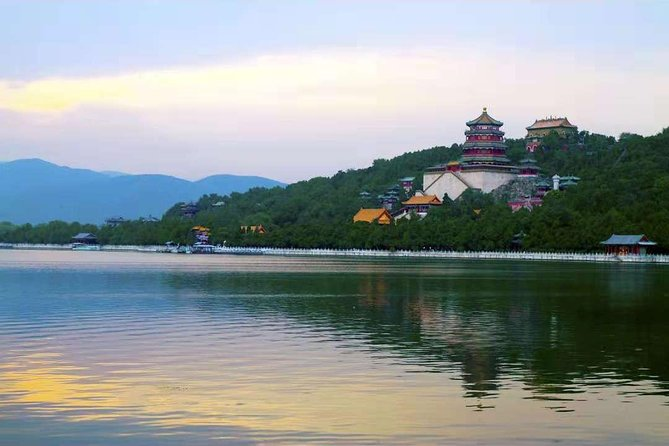 Private Trip to Mutianyu Great Wall&Summer Palace with English Speaking Driver