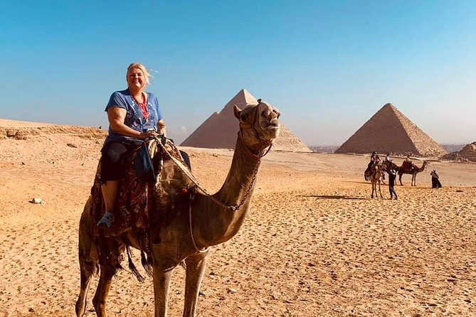 tour in cairo museum and Giza pyramids from sharm el shikh by round flight