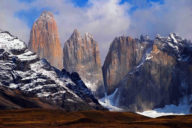 Full-Day Tour to Torres del Paine National Park from Puerto Natales(First Class)