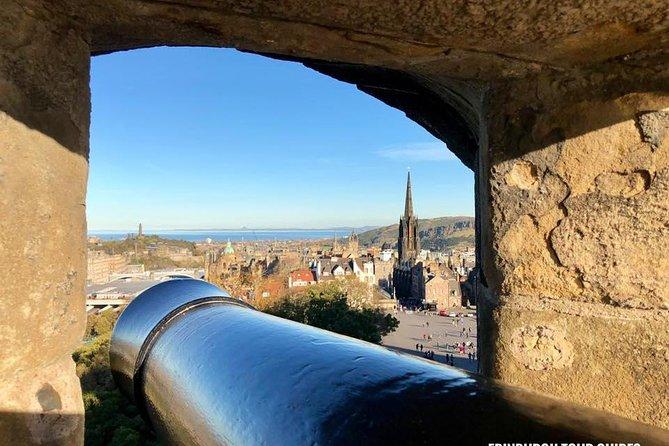 Edinburgh Castle and Old Town Walking Tour