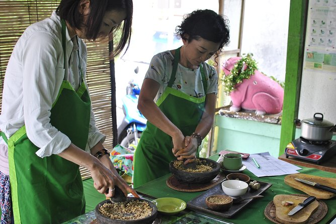 Bali Half-Day Traditional Herbal Medicine Class (Jamu Workshop)