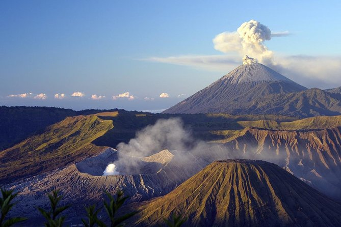 Bromo Tour Package: Midnight Bromo Open Trip from Surabaya