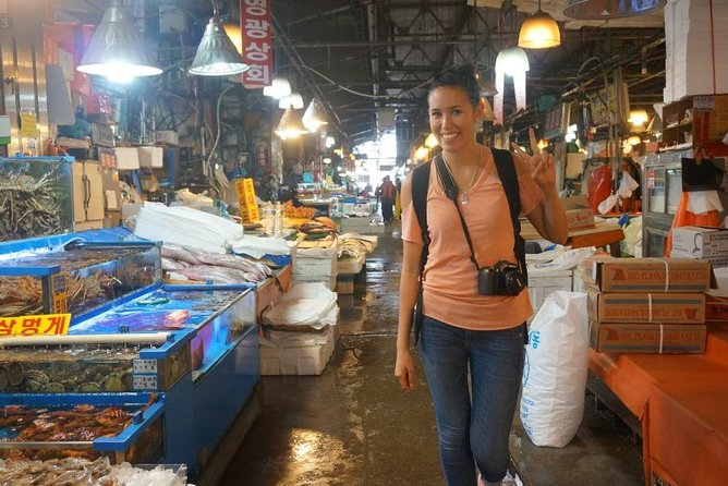 Small-Group 2-Hour Noryangjin Fish Market Tasting & Walking Tour