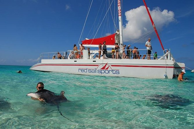 Cayman Islands Breakfast and Snorkel Cruise to Stingray City