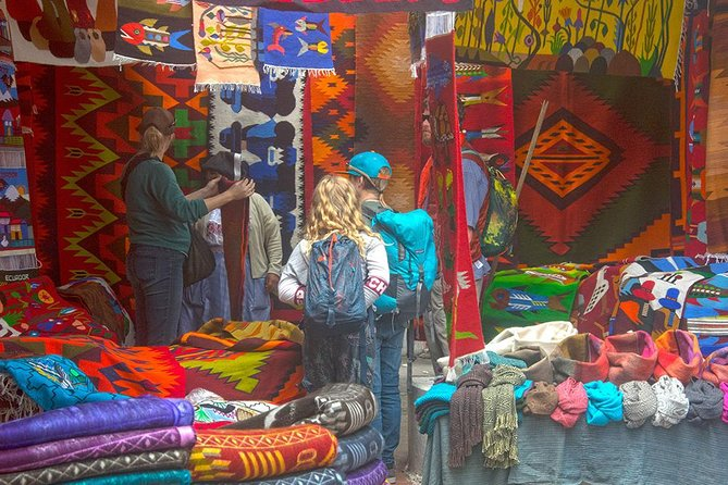 Full-Day Private Tour of Artisans North of Quito