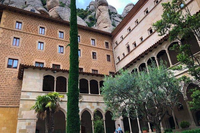 Montserrat Monastery & Wineries - Private tour
