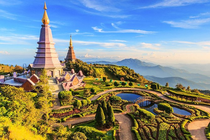 Doi Inthanon Day Trip from Chiang Mai including Karen Hill Tribe & Twin Pagodas
