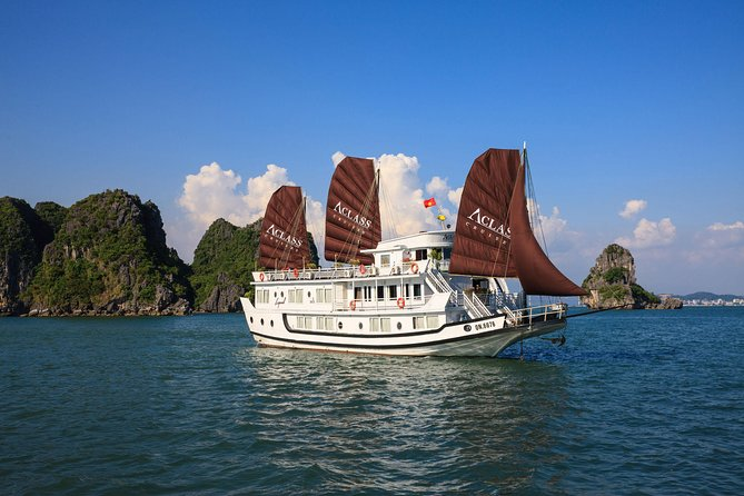 Halong Deluxe Cruise 2 days/ 1 night: Kayaking, swimming & overnight onboard