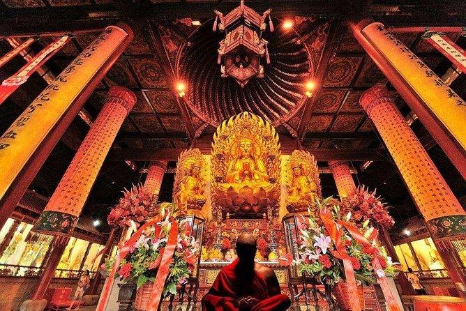 2-Hour Private Shanghai Longhua Temple Walking Tour