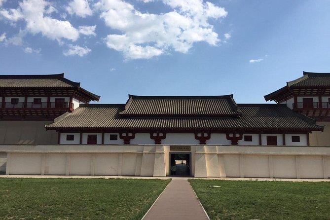 Xian Private Day Trip to Hanyangling Mausoleum and Banpo Museum