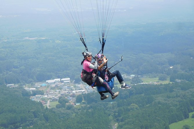 Paragliding in tandem style over Mount Fuji