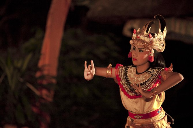 Ubud Evening Tour with Legong Ramayana Show
