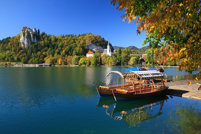 PRIVATE TOUR Lake Bled and Traditional Lunch in Radovljica from Ljubljana