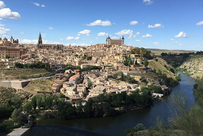 Premium Toledo, windmills & winery tour with lunch & hotel pick-up