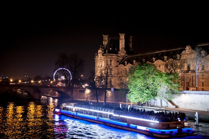 Private Tour: Romantic Seine River Cruise, Dinner, and Illuminations Tour