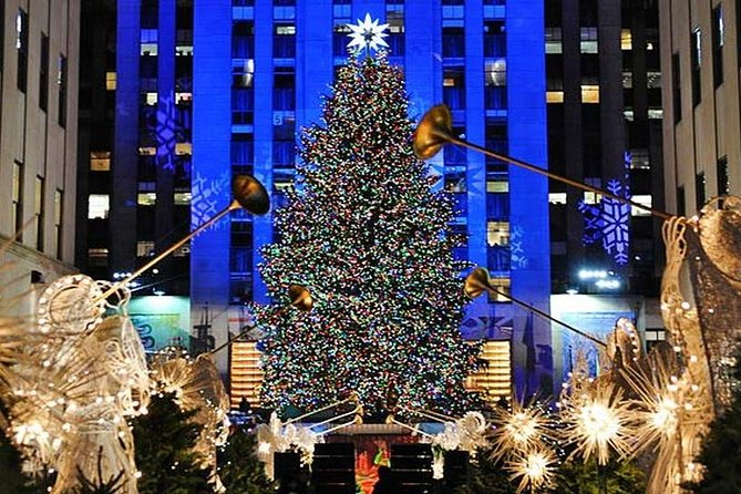 Small,Group New York Christmas Holiday Walking Tour