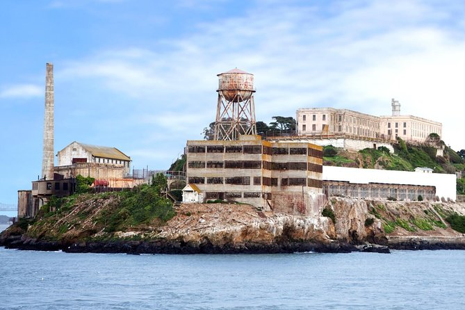The official Alcatraz tour is included on this tour!