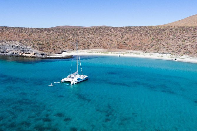 Remote Beach All-Inclusive Sailing Cruise with Snorkeling from Los Cabos