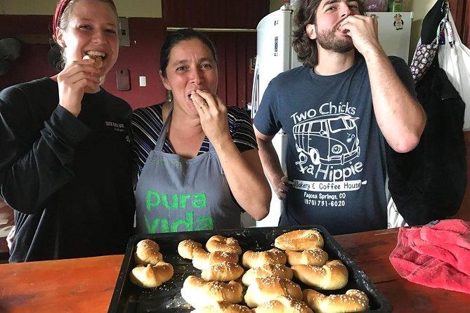 Make traditional bread with Yolanda