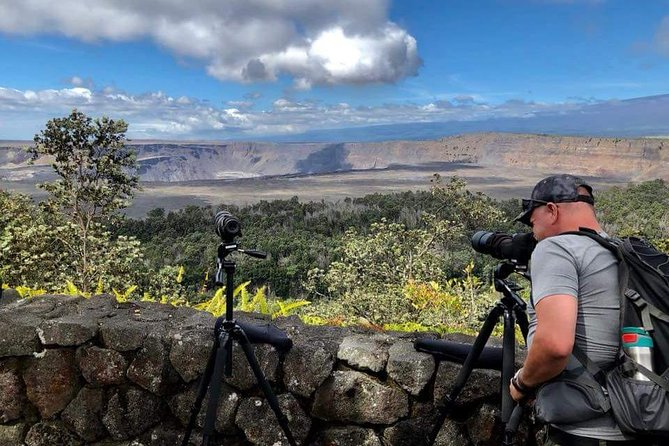 Small Group Tour: Hawaii Deluxe Volcano Experience with Restaurant Dinner