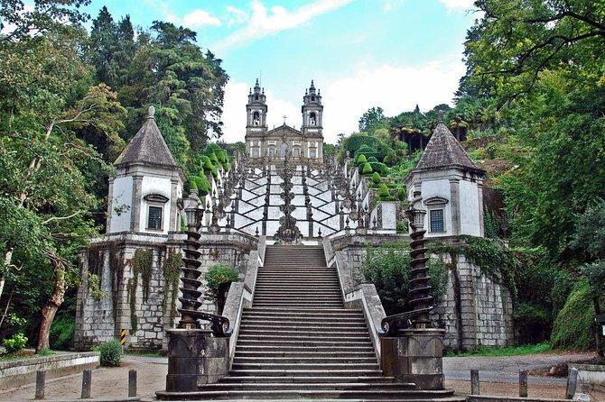 Braga e Guimarães tour di un giorno per piccoli gruppi da Porto con pranzo