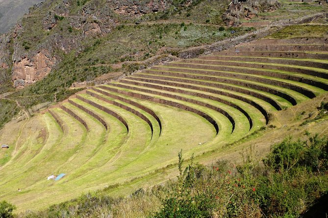Small Group Full-Day Sacred Valley Tour Including Pisac Ruins from Cusco