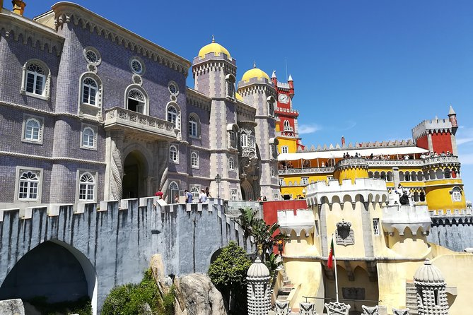 Small group tour through the romantic Sintra & amazing Cabo da Roca & Cascais