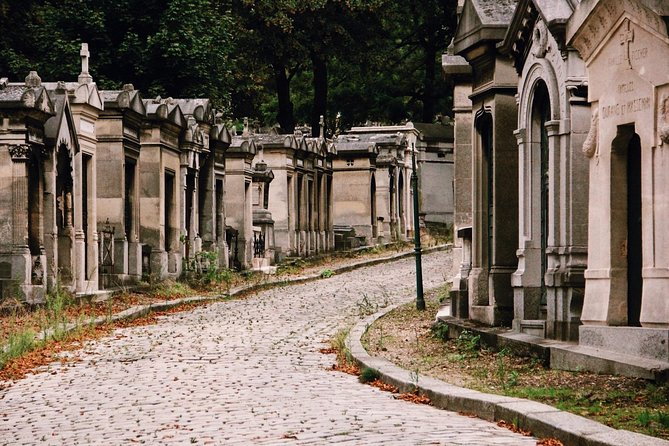 Pere Lachaise Cemetery Guided Walking Tour - Semi-Private 8ppl Max