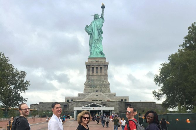 Statue of Liberty, Ellis Island Small-Group Tour with Ferry