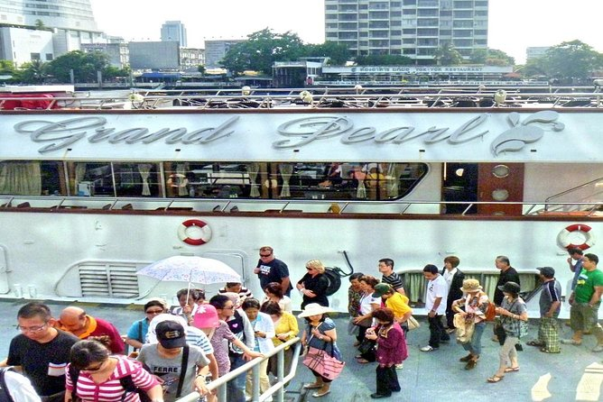 Grand Pearl : Luxury Dinner Cruise from Bangkok with Transfer photo 13