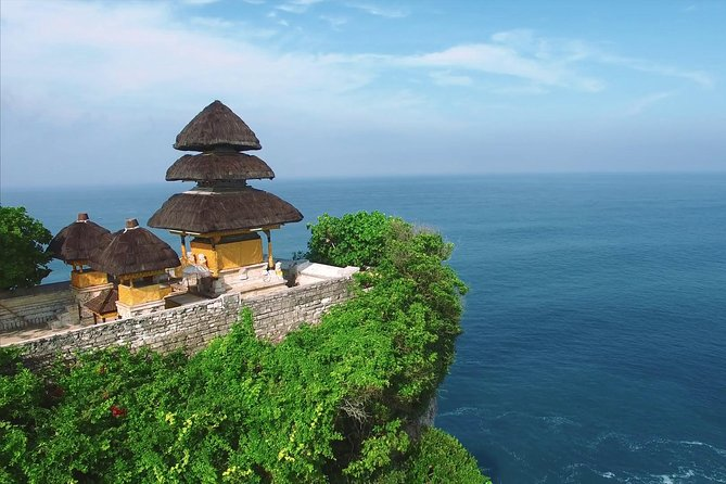 Bali's Spiritual Pillars - Uluwatu Temple and Kecak Dance Tour